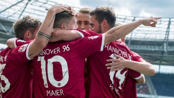 Traumstart für Hannover – Aigner lässt 1860 jubeln