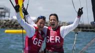 Glücklich aus dem Wasser: Tina Lutz und Susann Beucke