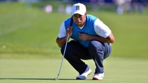 Tiger Woods bricht bei Comeback ein
