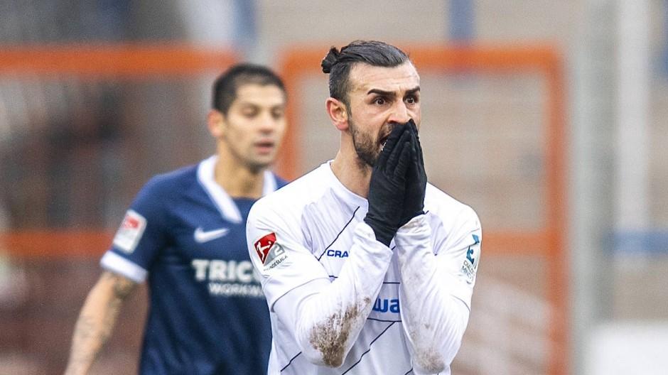 Darmstadt 98 entsetzt in Bochum: Serdar Dursun reagiert auf die Wende im Spiel.