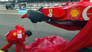 Schumacher mit Respekt - Barrichello mit Unfall