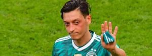Mesut Özil verabschiedet sich mit einem verbitterten Rundumschlag aus der deutschen Nationalelf.