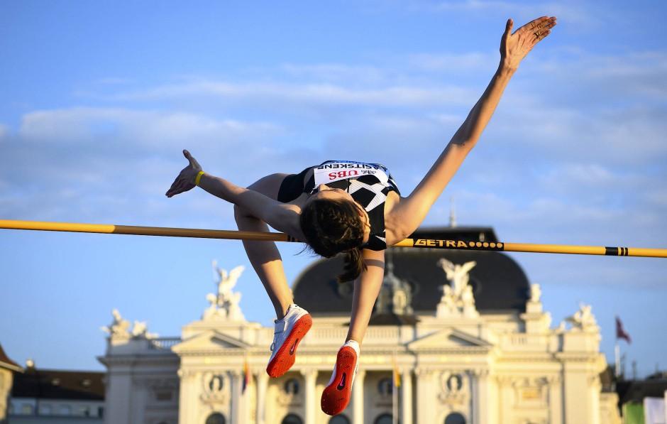 Höhenflüge vor Opernhaus: Olympiasiegerin Mariya Lasitskene springt mit Weltjahresbestleistung zum Sieg in der Diamond League