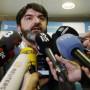 """Er wird solange hier bleiben, um sicherzugehen, dass alles gut ist"""": Alonsos Manager Luis Garcia Abad"""