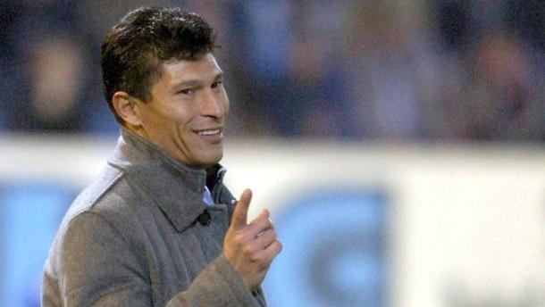 Krassimir Balakow soll als neuer Trainer den Abstieg des 1. FC Kaiserslautern verhindern