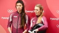 Bobpilotin Nadeschda Sergejewa (rechts) hat den Dopingverstoß eingeräumt.