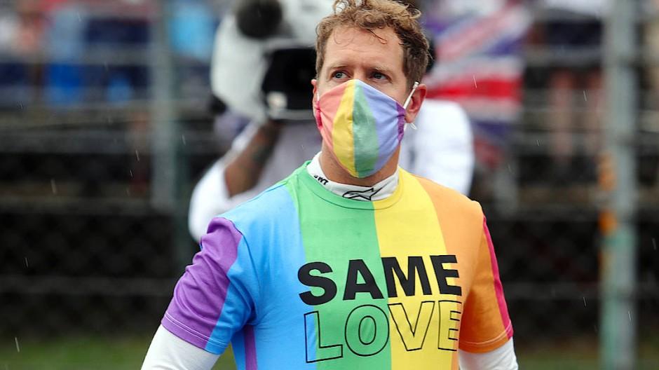 Same Love: Sebastian Vettel fällt in Ungarn mit Regenbogen-Farben auf.