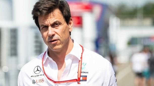 Mercedes-Motorsportchef investiert in Aston Martin