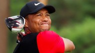 Der Rücken zwickt: Tiger Woods muss wieder einmal pausieren.