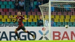 Eintracht Frankfurt überwindet die Berliner Mauer