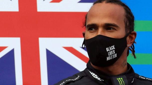 Formel-1-Weltmeister Hamilton verlängert bei Mercedes