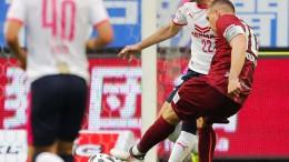 Iniesta und Podolski zaubern
