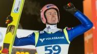 Jetzt schlägt's 13: Severin Freund gewinnt in Titisee-Neustatdt