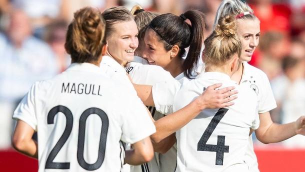 DFB-Frauen bescheren Hrubesch Startrekord