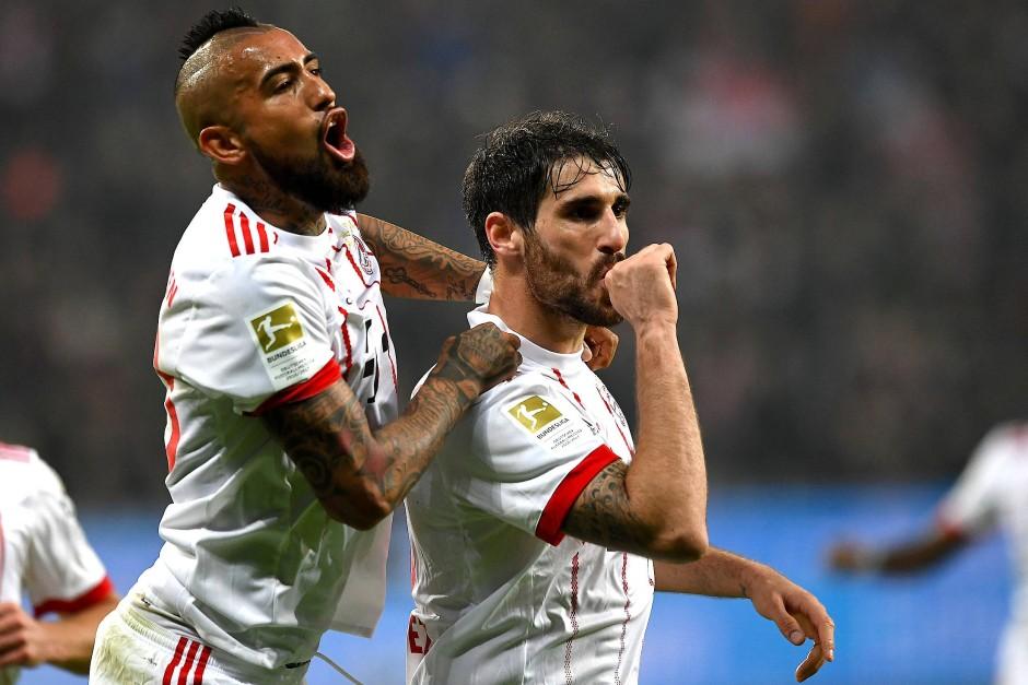 Glücklicher Torschütze: Javier Martinez (r.) mit Vidal