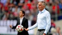 Am Ende seines Lateins? HSV-Trainer Mirko Slomka wirkt ratlos