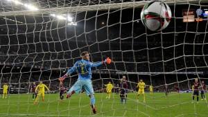 Barcelona trotz Ter-Stegen-Patzer auf Finalkurs