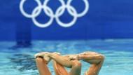 Kopf ins Wasser stecken? Die Synchronschwimmer wollen sich mit Mixed-Wettbewerben retten