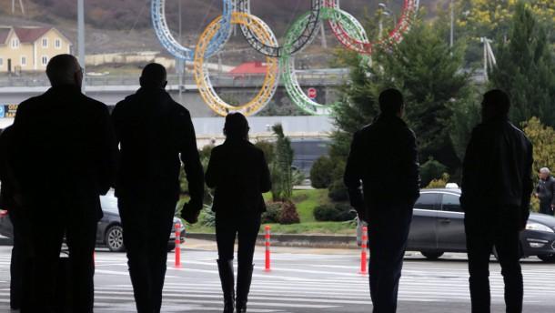 Olympische Ringe am Flughafen bei Sotschi