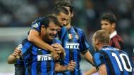 Inter siegt und Wesley Sneijder (r.) feiert in seinem ersten Spiel mit