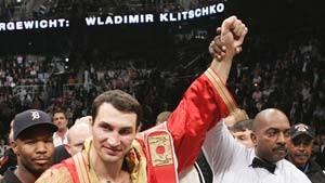 Klitschko verteidigt Titel mit links