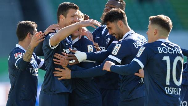 Bochum gewinnt Topspiel und festigt Platz eins