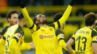 Einmal mehr hatte Paco Alcacer (Mitte) großen Anteil am Dortmunder Erfolg.
