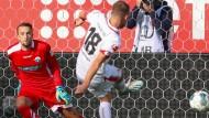 Ein Elfmetertreffer für die Geschichtsbücher: Mainz 05 hat durch Daniel Brosinski den 25. Elfmeter in Serie verwandelt – Bundesligarekord