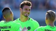 Strahlemann: Hendrik Weydandt (Mitte) ist in der Bundesliga angekommen