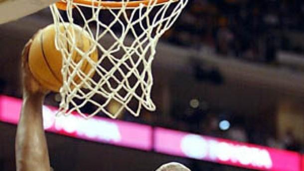 Lakers gewinnen Finalauftakt