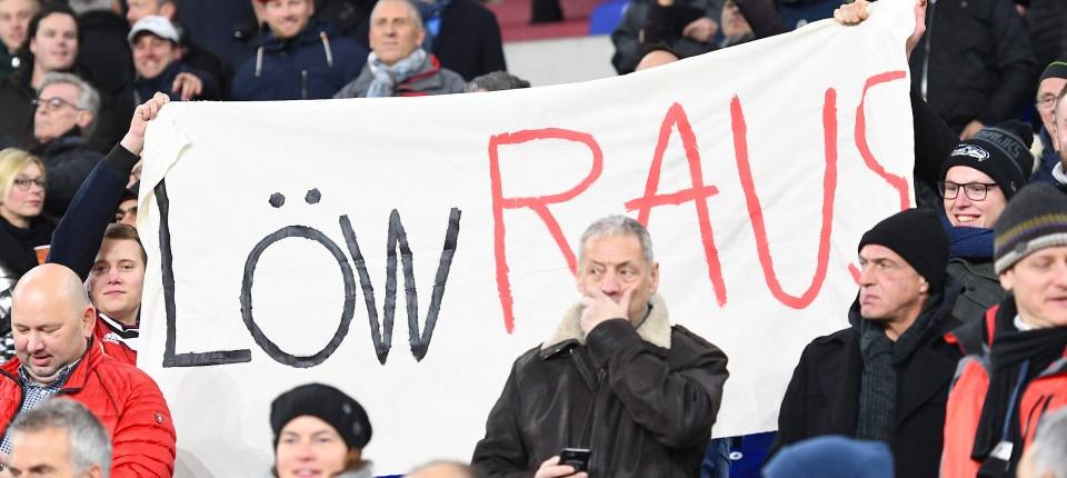 Stiller Protest: Manche Fans möchten einen anderen Bundestrainer.