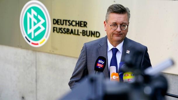 DFB weist Rassismus-Vorwurf von Özil zurück
