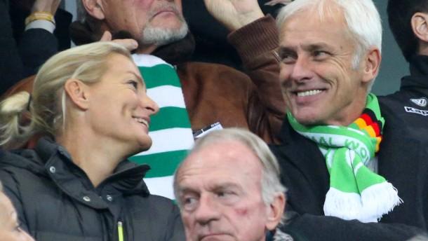 VW-Chef Müller lobt Erwachsenen-Fußball