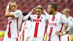 Köln in Not nach Niederlage im Derby