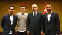 Ein brisantes Spiel für Özil und Gündogan