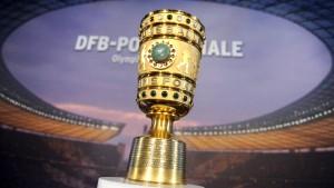 Bayern muss nach Stuttgart
