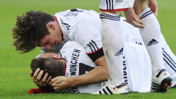 Bayern und Bayer gewinnen - Dortmund nur 1:1