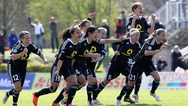 Auf nach Köln: Der 1. FFC Frankfurt steht im Pokalfinale im Frauenfußball