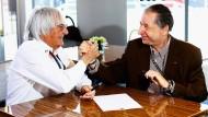 Das waren noch Zeiten: Bernie Ecclestone (links) und Fia-Präsident Jean Todt unterzeichnen 2013 eine Vereinbarung.