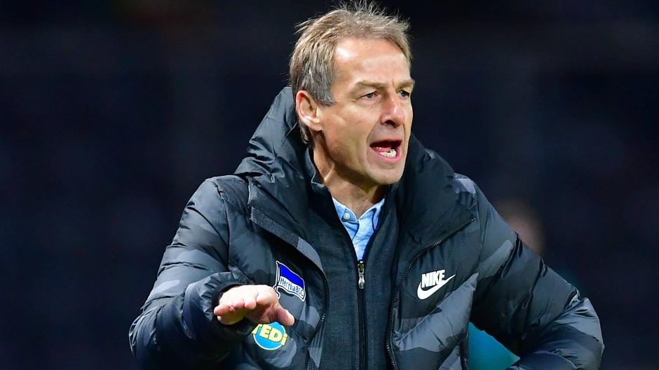 Er ist längst weg – doch der Ärger bleibt: Jürgen Klinsmanns Episode als Hertha-Trainer endet im Streit.