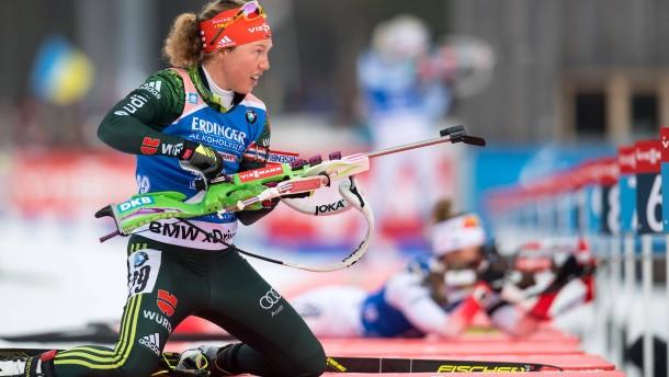 Biathlon-Weltcup in Ruhpolding: Zu zögerlich und ängstlich am Schießstand