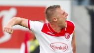 Matchwinner: Rouwen Hennings trifft spät für die Fortuna gegen Mainz 05.