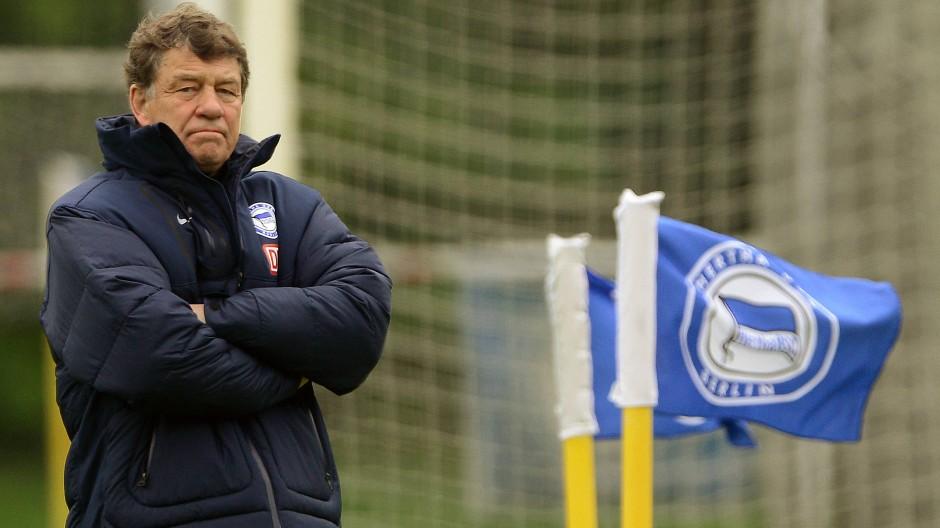Otoo Rehhagel versuchte sich 2012 nochmal in Berlin – und stieg mit der Hertha ab.