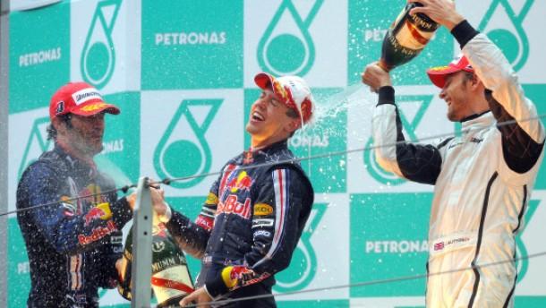 Vettel im Regen wieder eine Klasse für sich