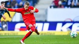 Petersens Elfmeter sichert Freiburg einen Punkt