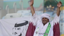 Gastland Qatar überrascht zum Auftakt