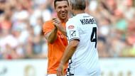 Podolski dementiert Wechselgerüchte