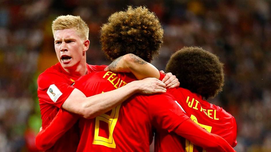 Großer Jubel bei Kevin de Bruyne, Marouane Fellaini und Axel Witsel (von links) nach dem belgischen 3:2-Erfolg über Japan.