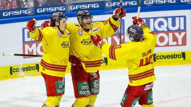 DEG und Bremerhaven sichern Playoff-Viertelfinale