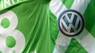 VW zeigt seine Fußballoffensive nicht nur auf der Brust des VfL Wolfsburg